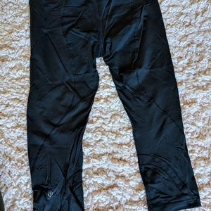 Lululemon Black crop pants